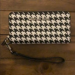 Michael Kors Leather Houndstooth Wristlet